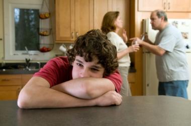 Det er krevende å snakke om alkoholproblemer. Ill.foto: ejwhite, iStockphoto.