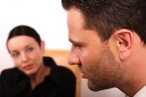 Kognitiv atferdsterapi i gruppe kan hjelpe personer som lider av depresjon. Ill.foto: endopack, iStockphoto