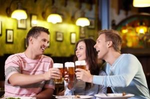 Forbundet med hygge, men alkohol er også et av våre største helseproblemer. Ill.foto: Deklofenak, iStockphoto.