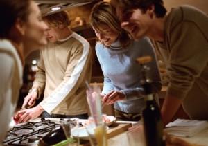 Miløbasert kognitiv terapi kan innebære at man gjør ting sammen. Ill.foto: Colourbox.com