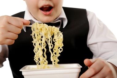 Overvekt har kort og godt med hvor mye man spiser å gjøre. Ill.foto: Colourbox