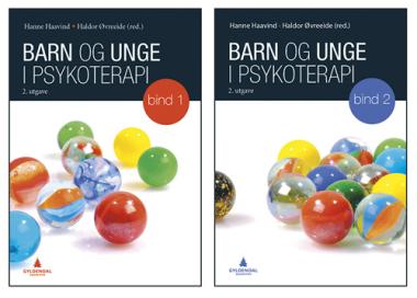 Bøkene er kanskje mest aktuell for studenter som vil få et innblikk i psykoterapi med barn og ungdom, mener anmelderen.