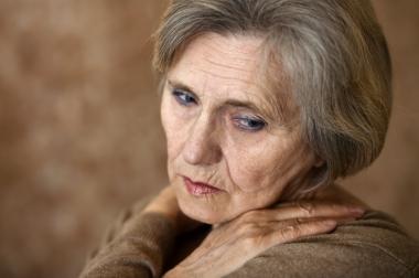 eldre deprimert kvinne