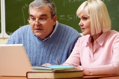 Voksne som studerer sammen