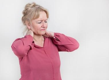 Middelaldrende kvinne med smerter