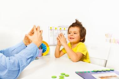 barn som øver ferdigheter