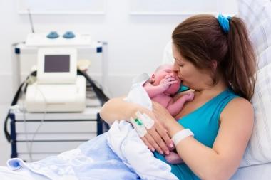 Nybakt mor med barn