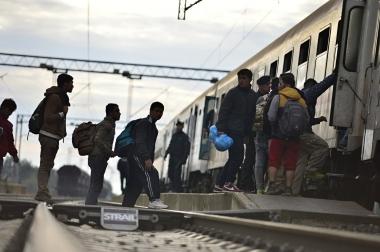 flyktninger på grensestasjon
